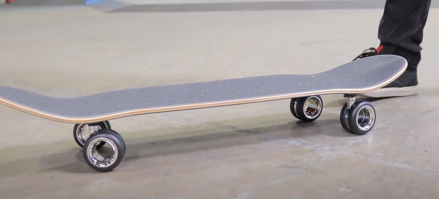 The $ 700 wheels for the Mac Pro are attached to a skateboard (it's all very bad!)